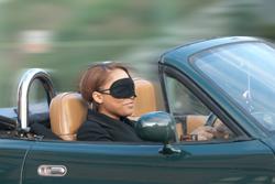Chaerell driving blindfolded